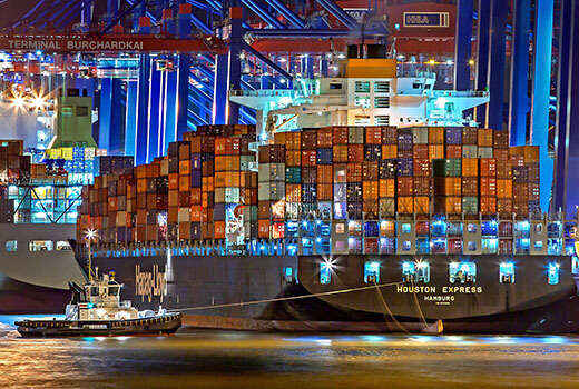 hamburg port frachtowiec wejście frachtowca do portu